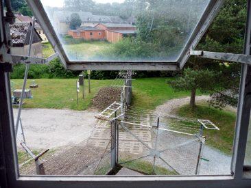 Blick aus dem Beobachtungsturm auf die Sperranlagen