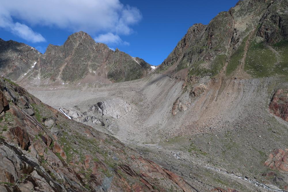 Das Gletscherbecken des Sulzanauferners lässt gut seine früheren Dimensionen erahnen.