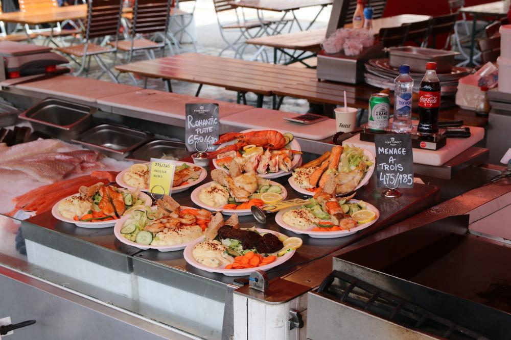 Allerlei Köstlichkeiten auf dem Fischmarkt von Bergen.