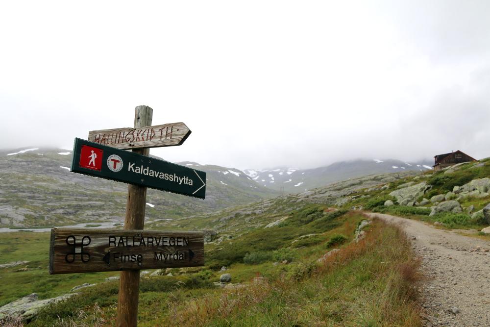 Auf dem Rallarvegen in Höhe der Siedlung Hallingskeid.