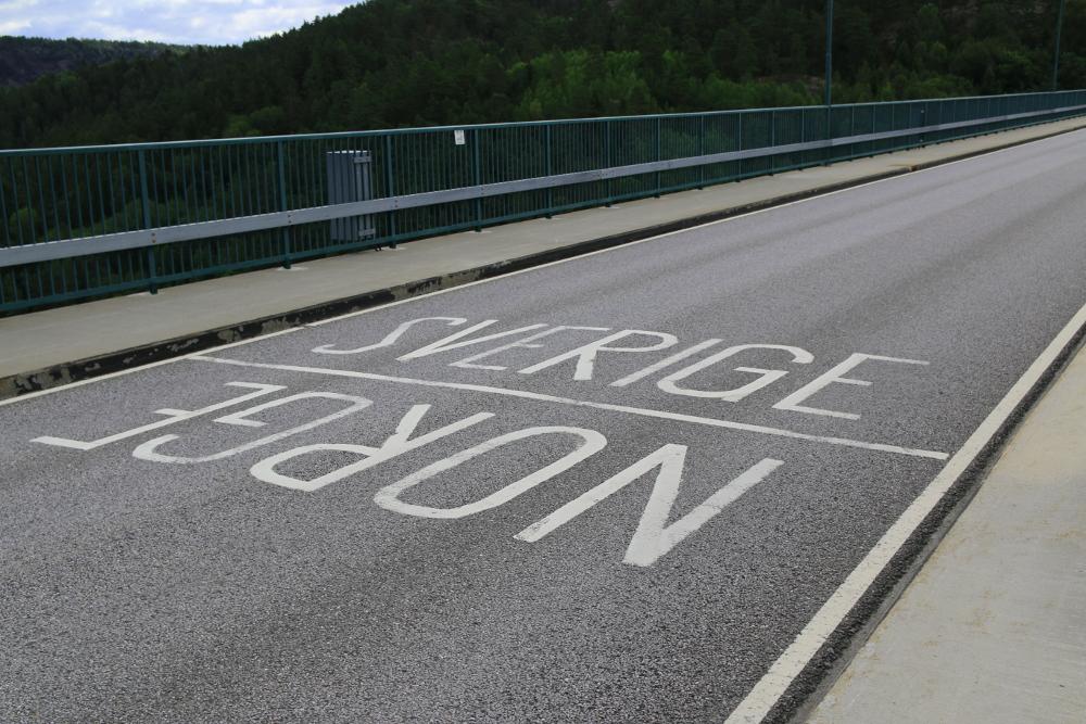 Der Grenzübergang zwischen Norwegen und Schweden auf der alten Svinesundbrücke.