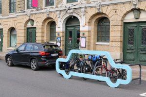 Räder sind nicht nur chic sondern auch platzsparend. Gesehen in Göteborg.