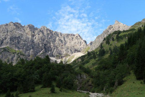 Das Karlstor zwischen den Widdersteinen