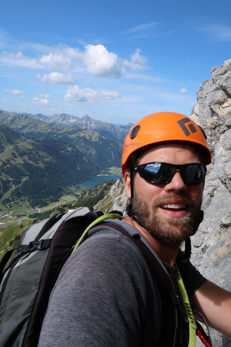 Der Autor mit Bart am Berg.
