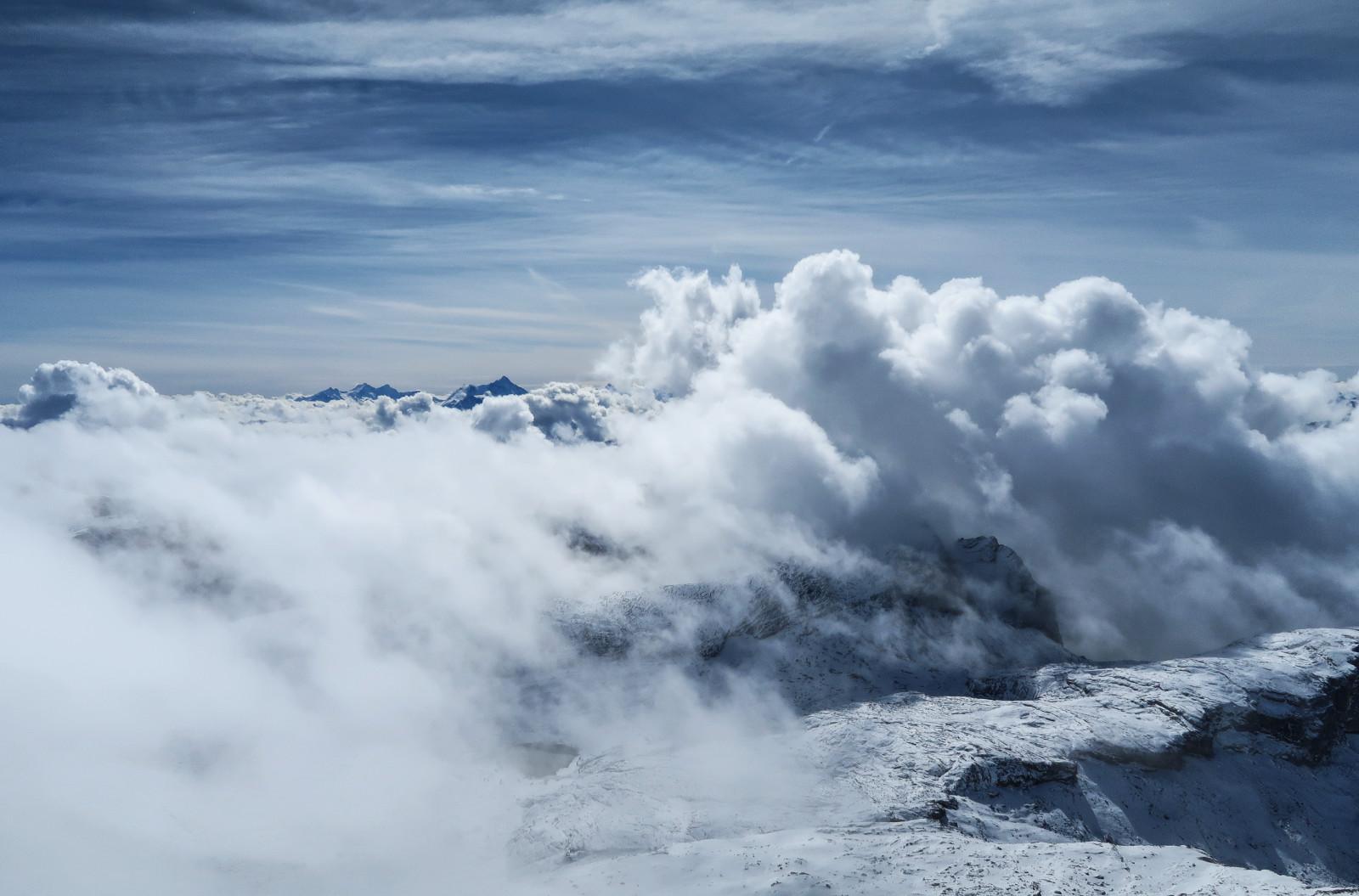 Beim Abstieg steigen nicht nur die Wolken, sondern auch die Temperaturen beträchtlich an!