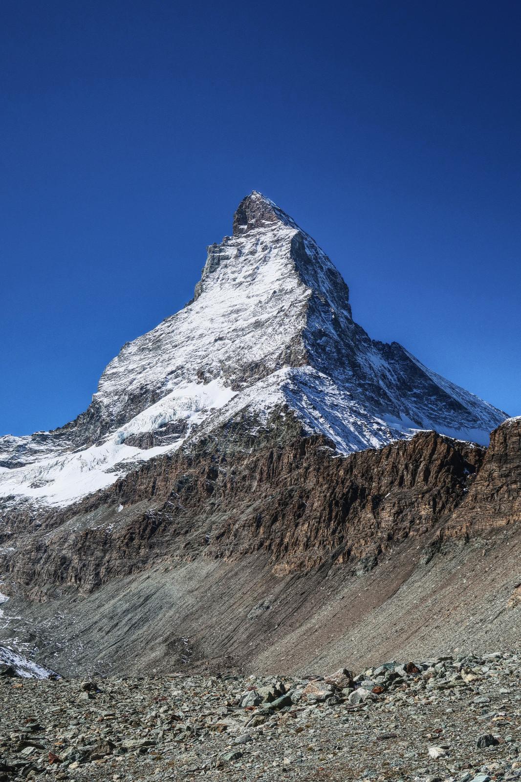 Das Matterhorn in seiner ganzen Pracht vom Hirli aus gesehen.