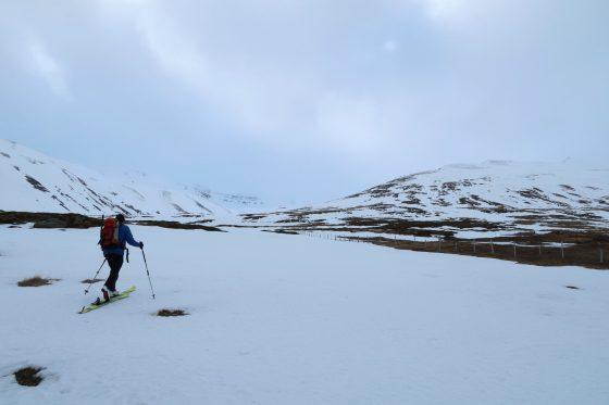 Zustieg durch das Tal Burstarbrekkudalur.