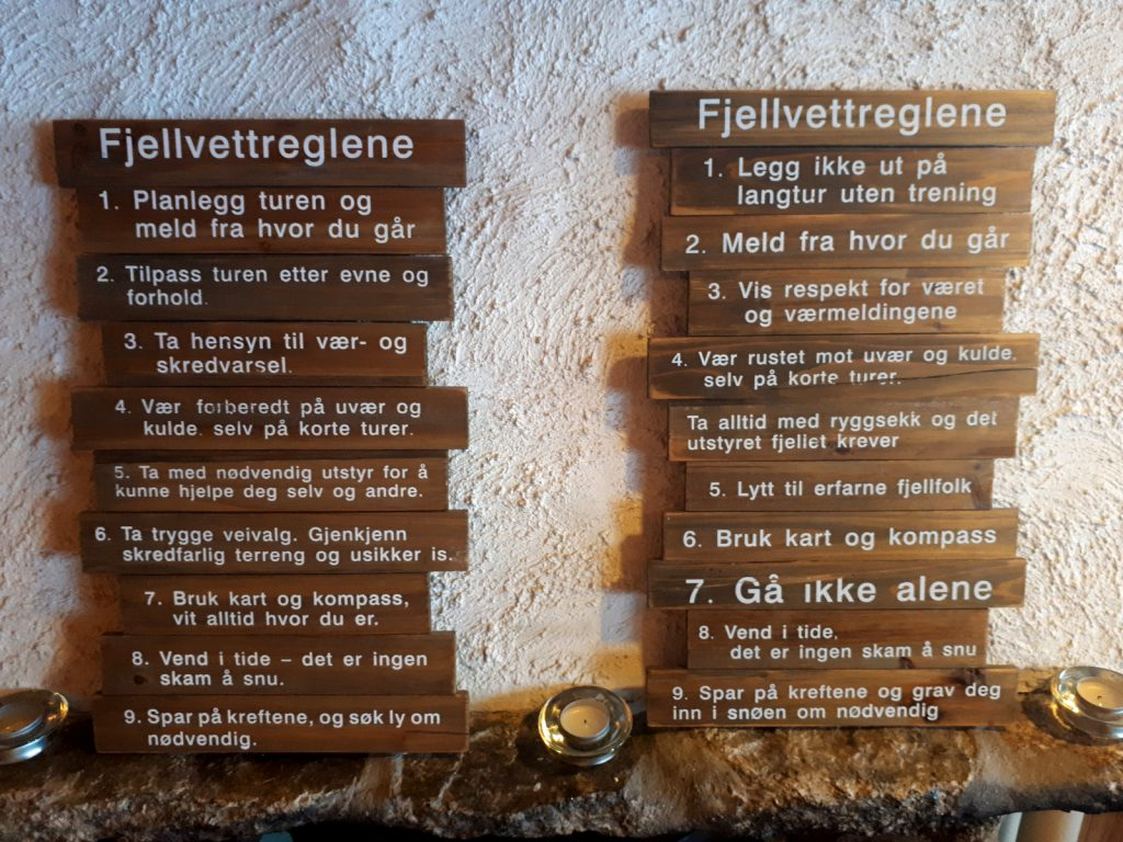 Die Regeln für eine Tour im Fjell - ruhig mal übersetzen