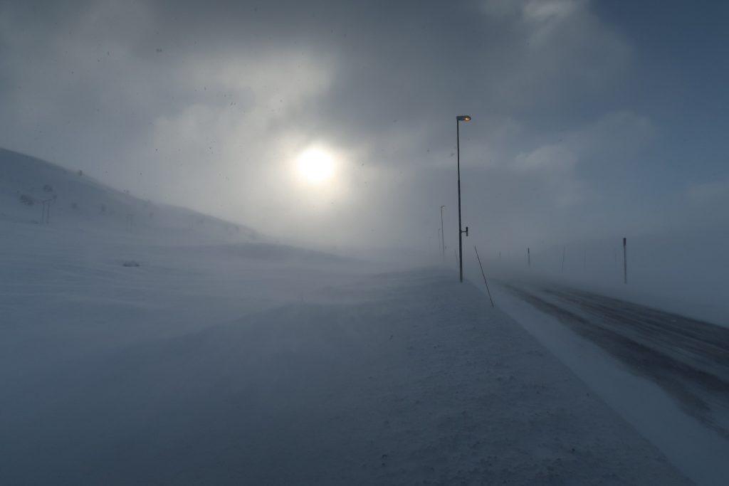 Erst ein Stück entlang der E134 bevor ich nach links hinauf aufs Hochplateau der Hardangervidda schwenke