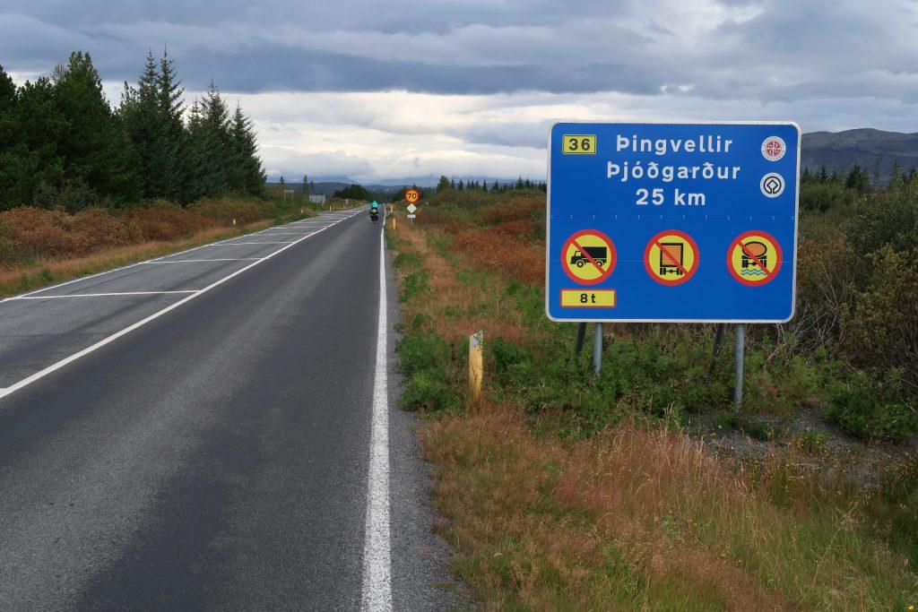 Auf der Straße 36 geht es Richtung Þingvellir